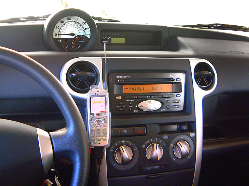 Sanyo 4900 phone on dash